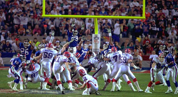 Scott Norwood misses a potential game-winning field goal at the end of Superbowl XXV